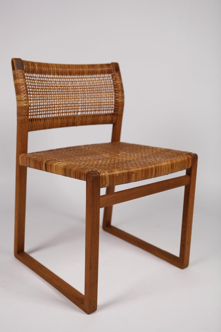 Børge Mogensen, Dining Chairs in Oak and Woven Cane, Denmark, 1957 For Sale 6
