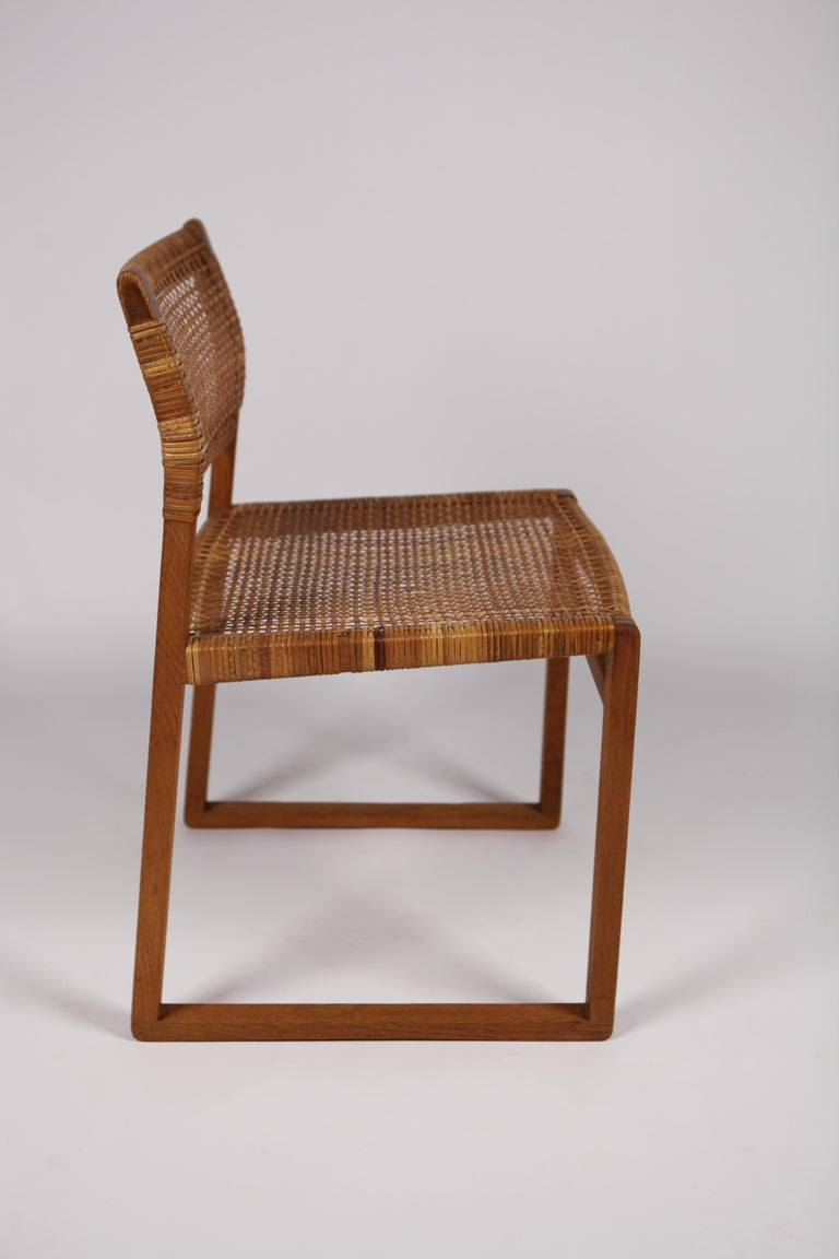 Børge Mogensen, Dining Chairs in Oak and Woven Cane, Denmark, 1957 For Sale 7