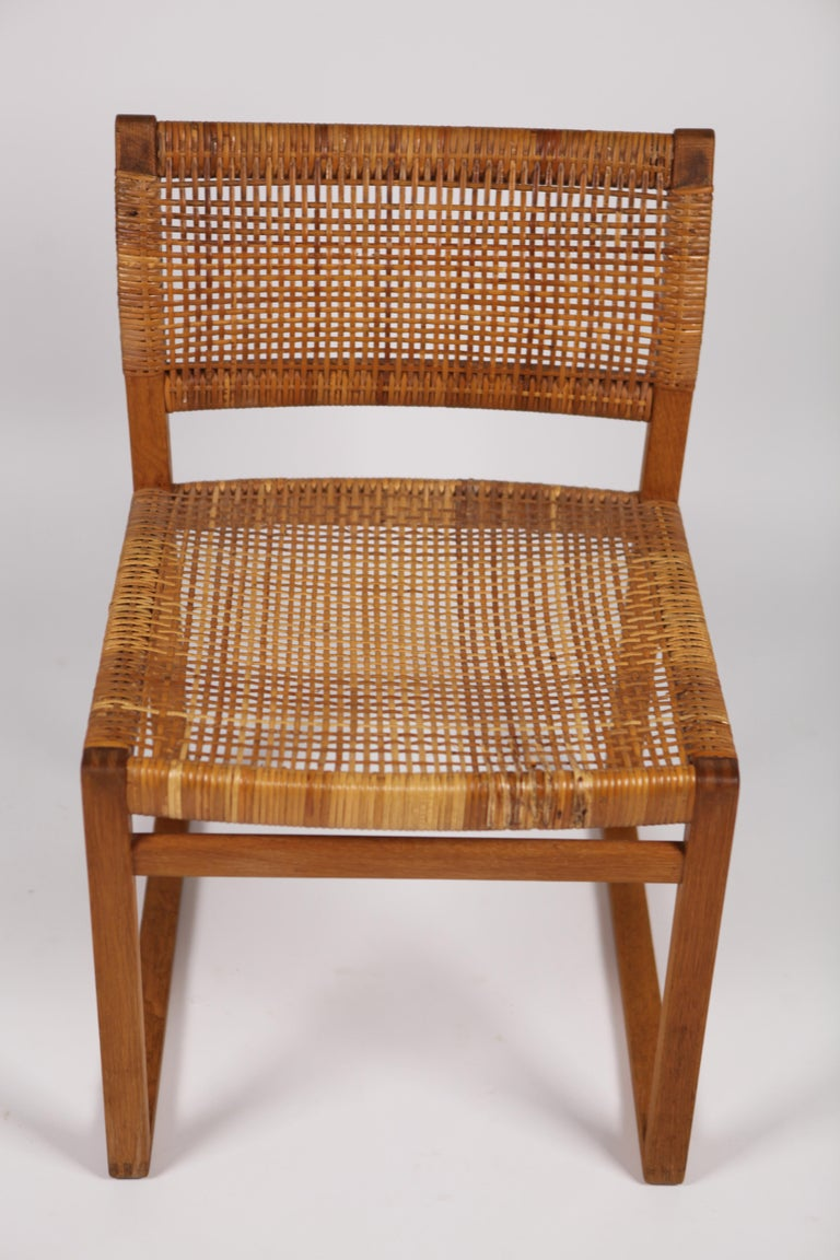 Børge Mogensen, Dining Chairs in Oak and Woven Cane, Denmark, 1957 For Sale 9