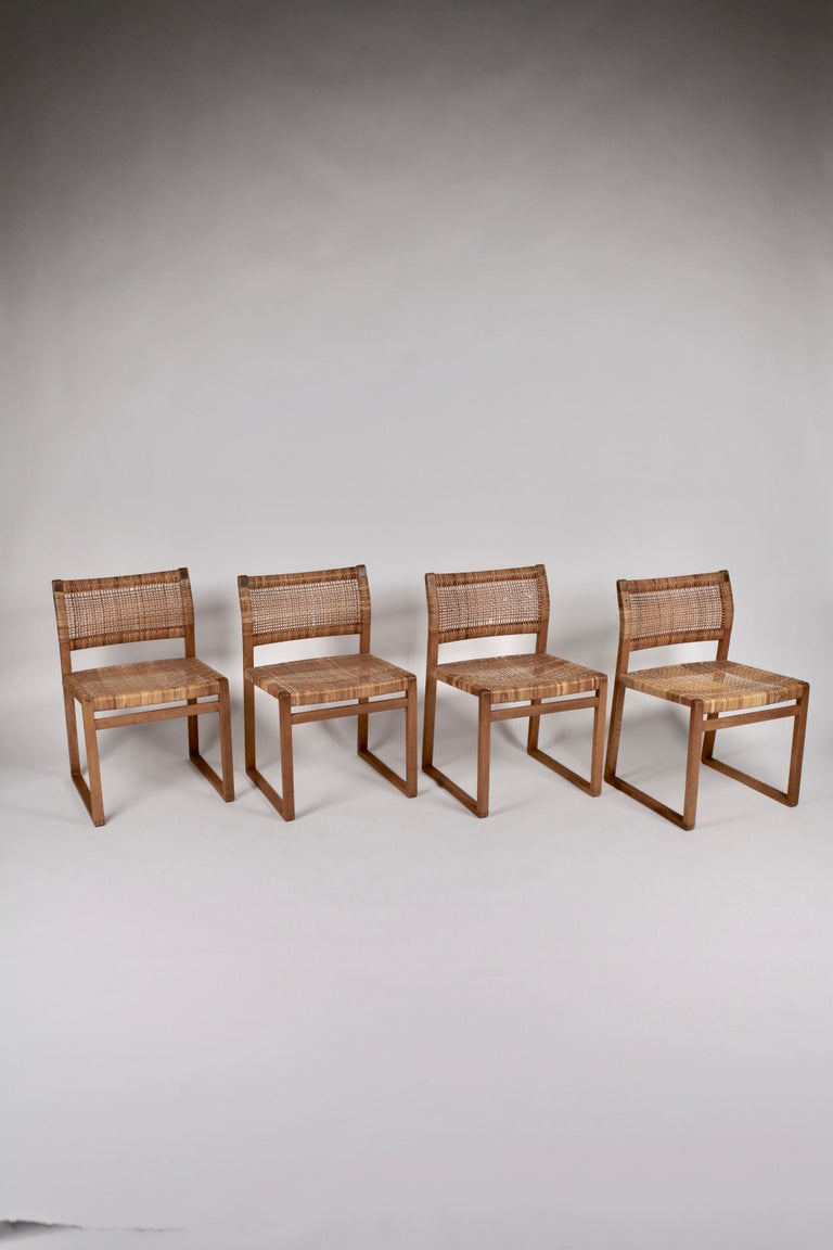 Børge Mogensen, Dining Chairs in Oak and Woven Cane, Denmark, 1957 In Good Condition For Sale In , DE