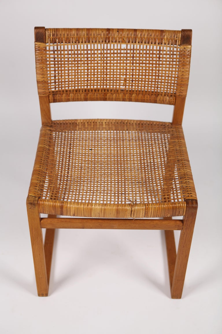 Børge Mogensen, Dining Chairs in Oak and Woven Cane, Denmark, 1957 For Sale 1