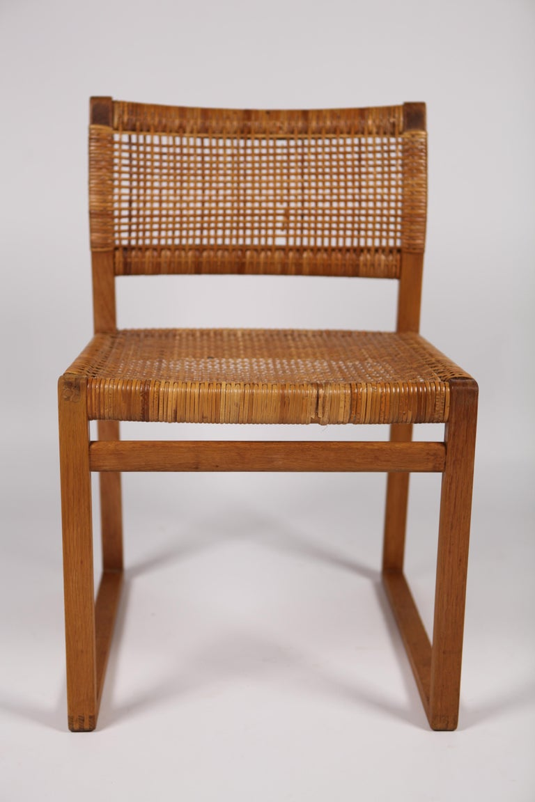 Børge Mogensen, Dining Chairs in Oak and Woven Cane, Denmark, 1957 For Sale 2
