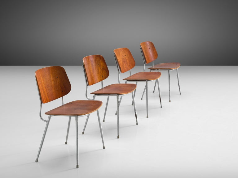 Danish Børge Mogensen for Søborg Møbelfabrik Set of 4 Dining Chairs 201 in Teak For Sale