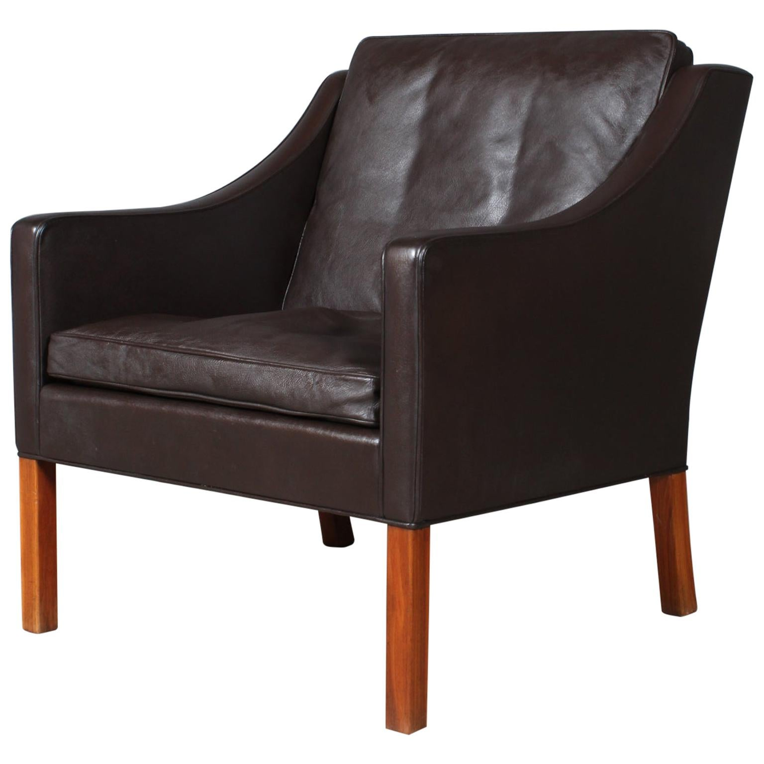 Model 2207 Lounge Chair