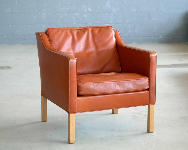 Scandinavian Modern Børge Mogensen Lounge Chair Model 2421 in Down Filled Cognac Colored Leather For Sale