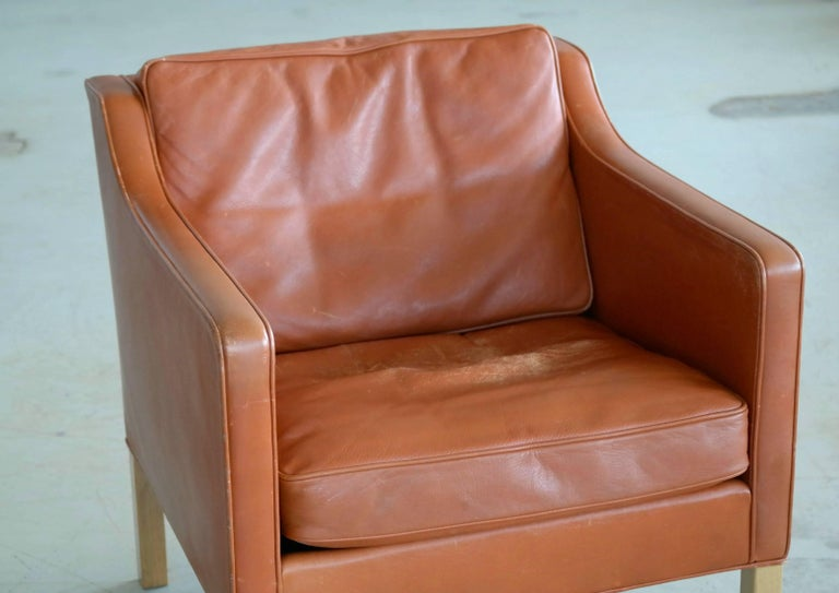 Børge Mogensen Lounge Chair Model 2421 in Down Filled Cognac Colored Leather In Good Condition For Sale In Bridgeport, CT
