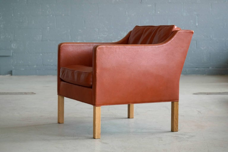 Børge Mogensen Lounge Chair Model 2421 in Down Filled Cognac Colored Leather For Sale 2