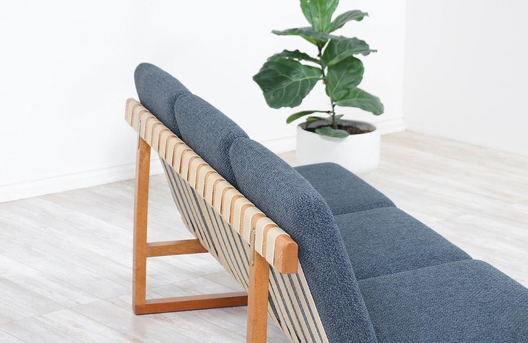Børge Mogensen Model 211 Oak Sofa for Fredericia Stolefabrik In Excellent Condition For Sale In Los Angeles, CA