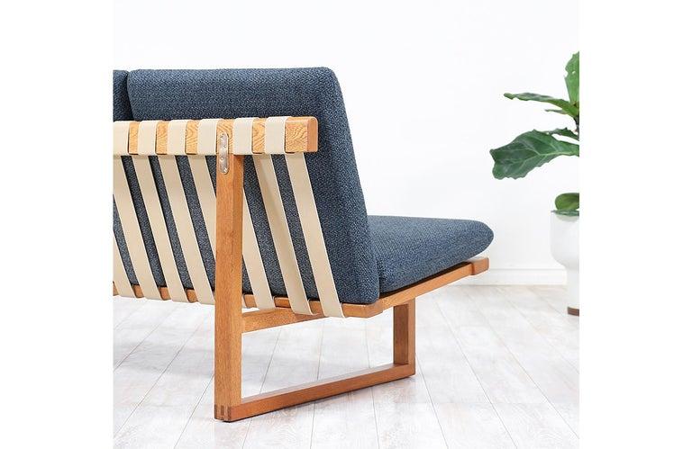 Børge Mogensen Model 211 Oak Wood Sofa for Fredericia Stolefabrik For Sale 4