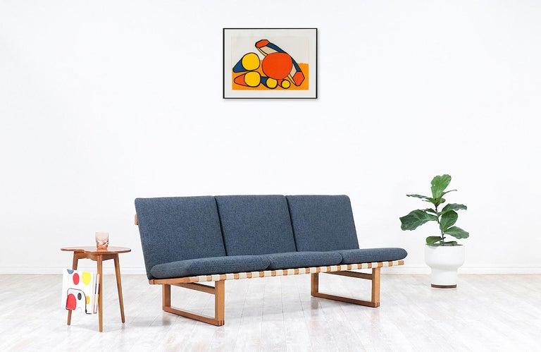 Mid-Century Modern Børge Mogensen Model 211 Oak Wood Sofa for Fredericia Stolefabrik For Sale