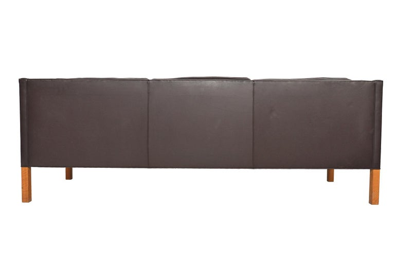 Danish Børge Mogensen Model 2213 Brown Leather Sofa For Sale