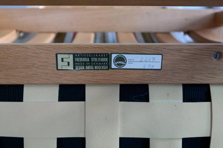 Børge Mogensen Model 2257 1960s Oak Lounge Chair for Fredericia Stolefabrik 2