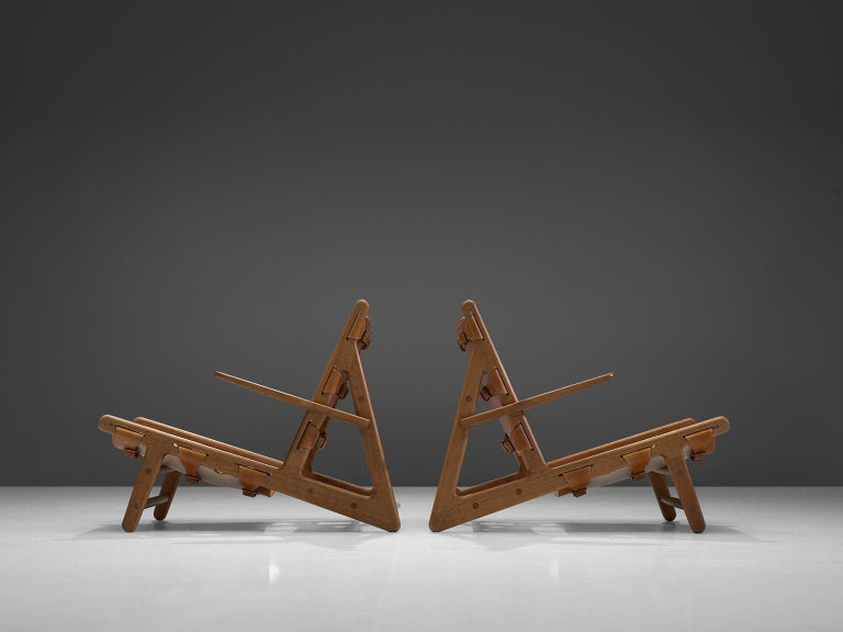 Mid-Century Modern Børge Mogensen Pair of Hunting Chairs For Sale