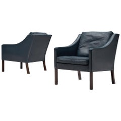 Børge Mogensen Pair of Lounge Chairs in Navy Leather