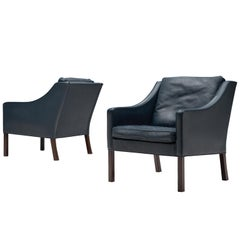 Børge Mogensen Pair of Two Lounge Chairs in Navy Leather