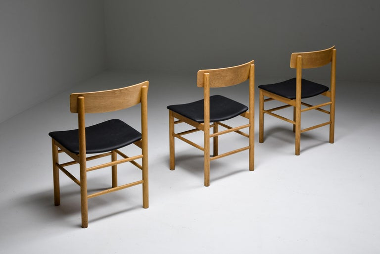 Mid-Century Modern Børge Mogensen Scandinavian Modern Dining Chairs in Oak For Sale