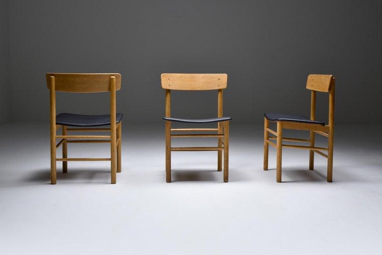 Danish Børge Mogensen Scandinavian Modern Dining Chairs in Oak For Sale