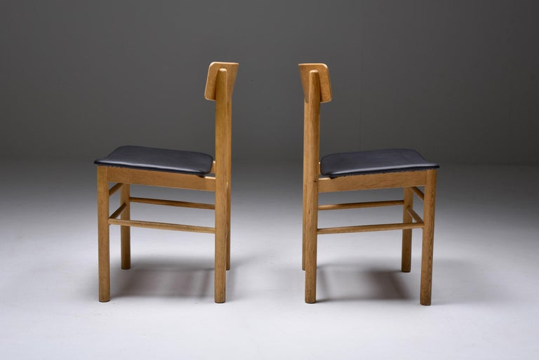 Børge Mogensen Scandinavian Modern Dining Chairs in Oak In Good Condition For Sale In Antwerp, BE