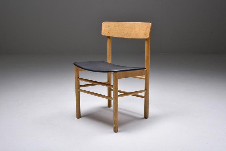 Mid-20th Century Børge Mogensen Scandinavian Modern Dining Chairs in Oak For Sale