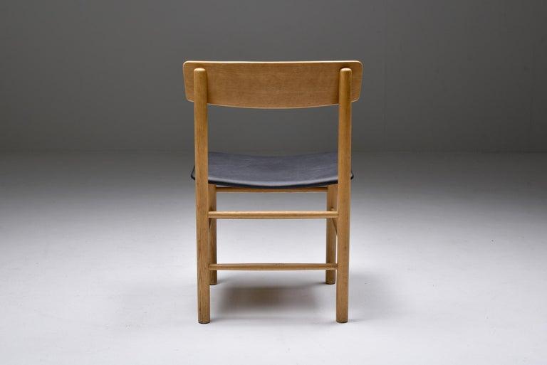 Leather Børge Mogensen Scandinavian Modern Dining Chairs in Oak For Sale