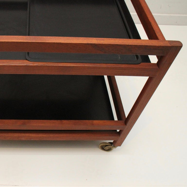 Børge Mogensen Serving Cart, Model 5370 In Good Condition For Sale In New London, CT