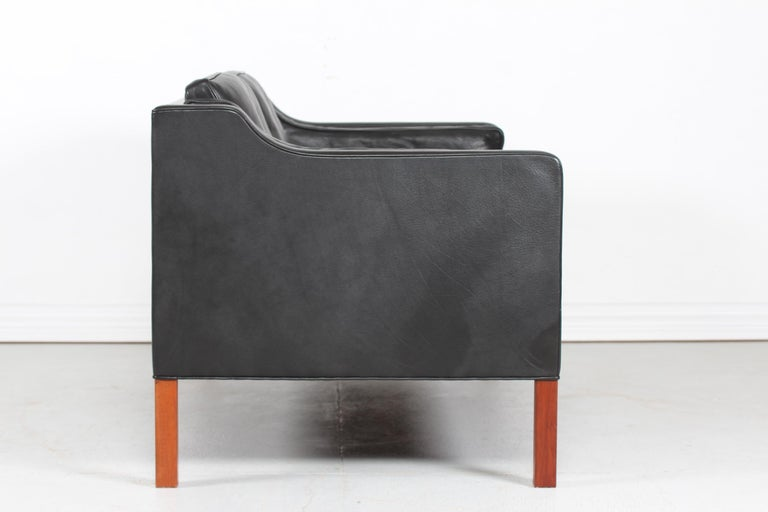 Late 20th Century Børge Mogensen Sofa 2212 with Black Leather by Fredericia Stolefabrik, 1981 For Sale