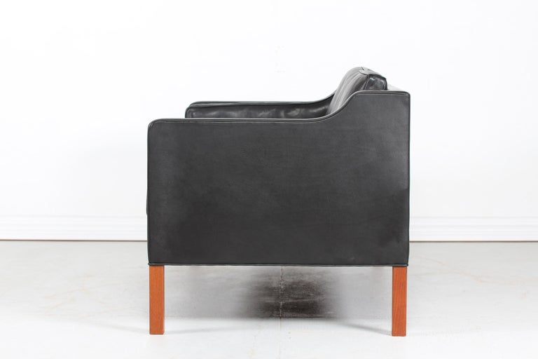 Børge Mogensen Sofa 2212 with Black Leather by Fredericia Stolefabrik, 1981 For Sale 2