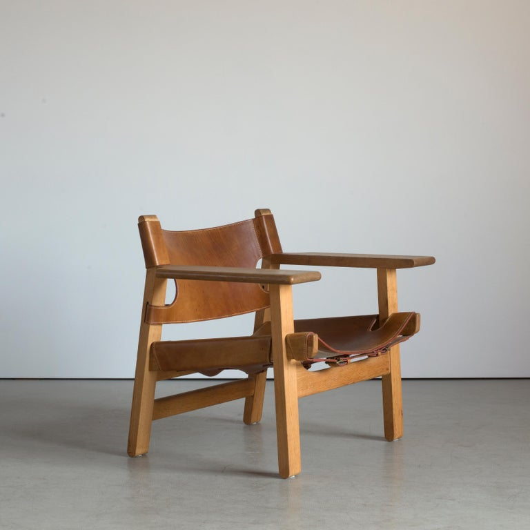 Børge Mogensen Spanish chair in oak and vegetable-tanned leather. Executed by Fredericia Furniture, 1974.