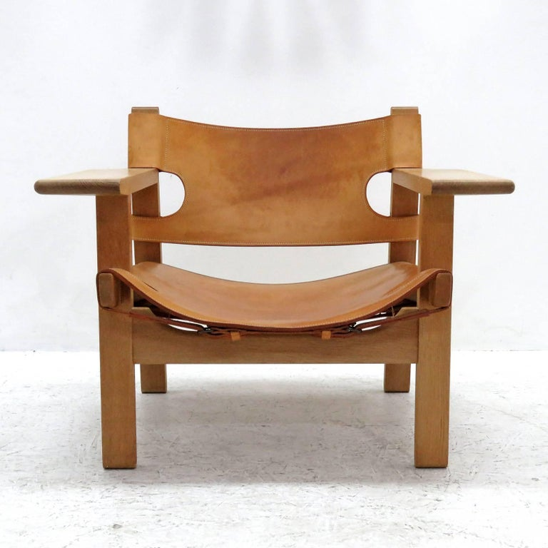 """Wonderful """"Spanish Chair"""" by Børge Mogensen for Fredericia Stolefabrik designed in 1958, made in Denmark, circa 1970s in solid oak and patinated saddle leather."""