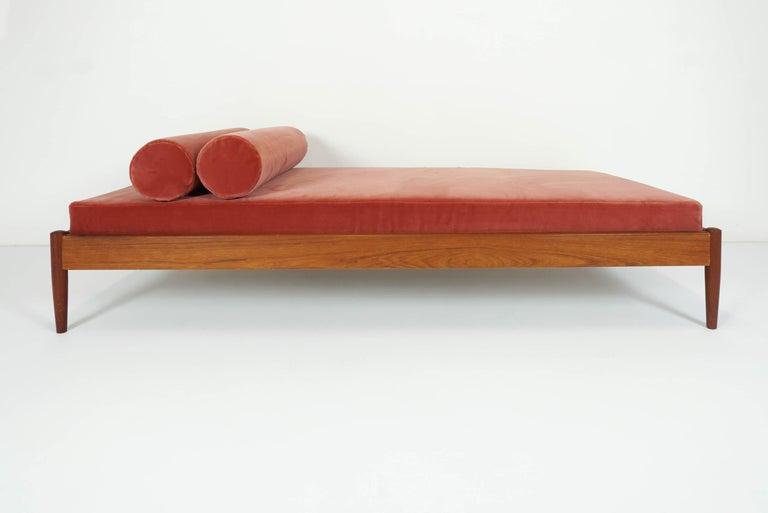 Mid-Century Modern Børge Mogensen Teak Day Bed, 1958 Denmark, in New Deep Salmon Rose Velvet For Sale