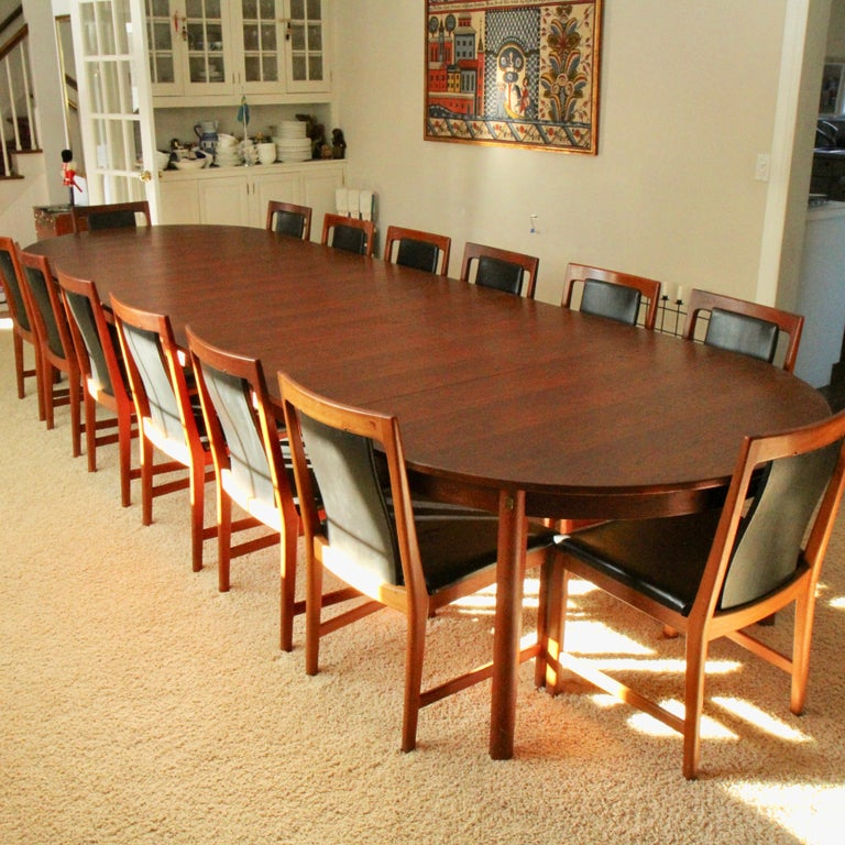 Teak dining table designed by Børge Mogensen for Karl Andersson & Söner in the 1960s. The table belongs to the Øresund series and has model number 140. The table without leaves measures 67