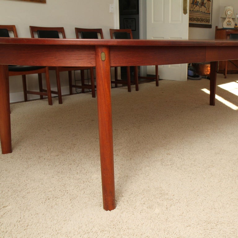 Børge Mogensen Teak Dining Table with 14 David Rosen Chairs, 1960s, Sweden In Good Condition For Sale In Darien, CT