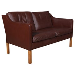 Børge Mogensen Two-Seat Sofa, Model 2322, Original Brown Leather and Oak