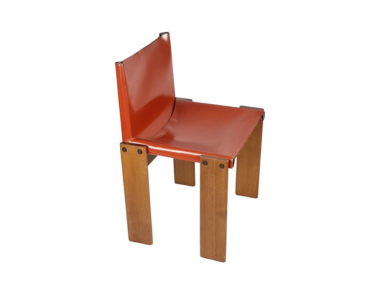Brick Red leather and Walnut 1974 Monk Chair by Afra e Tobia Scarpa for Molteni In Good Condition For Sale In Varese, Lombardia