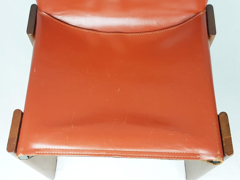 Brick Red leather and Walnut 1974 Monk Chair by Afra e Tobia Scarpa for Molteni For Sale 2