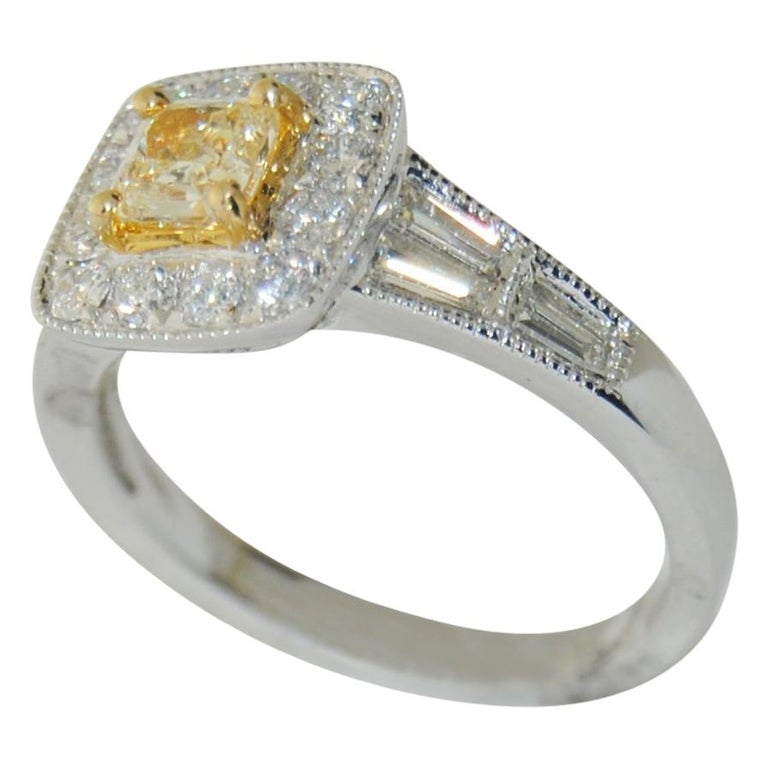 Brilliant 1.27 Carat Diamond Ring in 18 Karat Gold For Sale