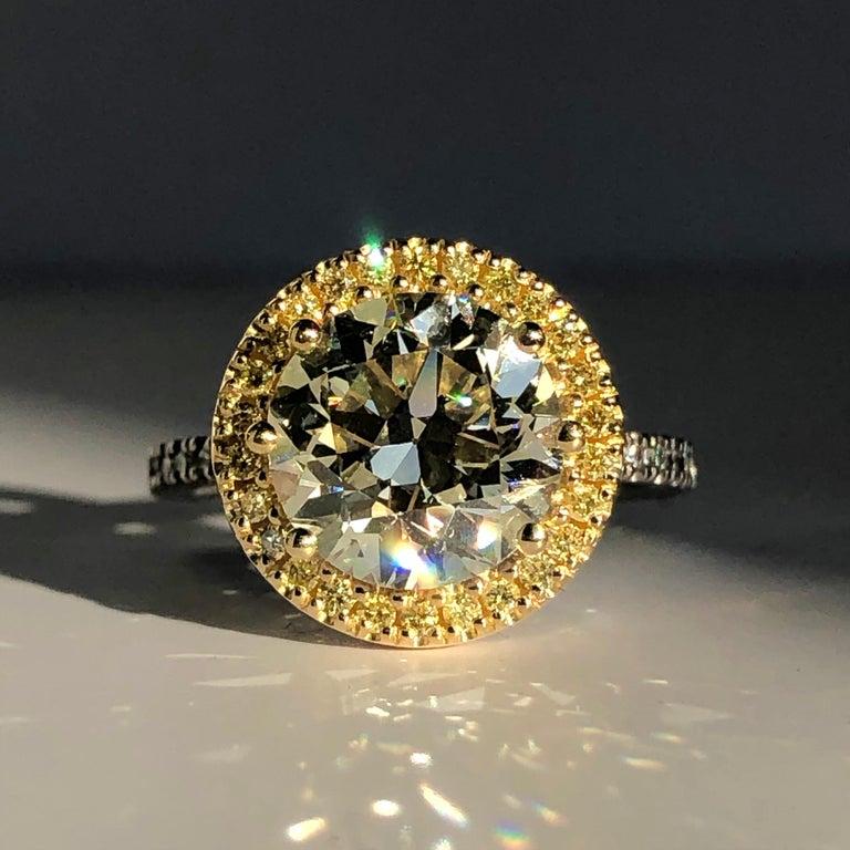 Brilliant Cut Diamond Solitaire Fancy Yellow Diamond Halo 18 Karat 4.00 Carat A For Sale 4