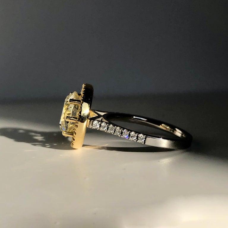 Brilliant Cut Diamond Solitaire Fancy Yellow Diamond Halo 18 Karat 4.00 Carat A For Sale 7