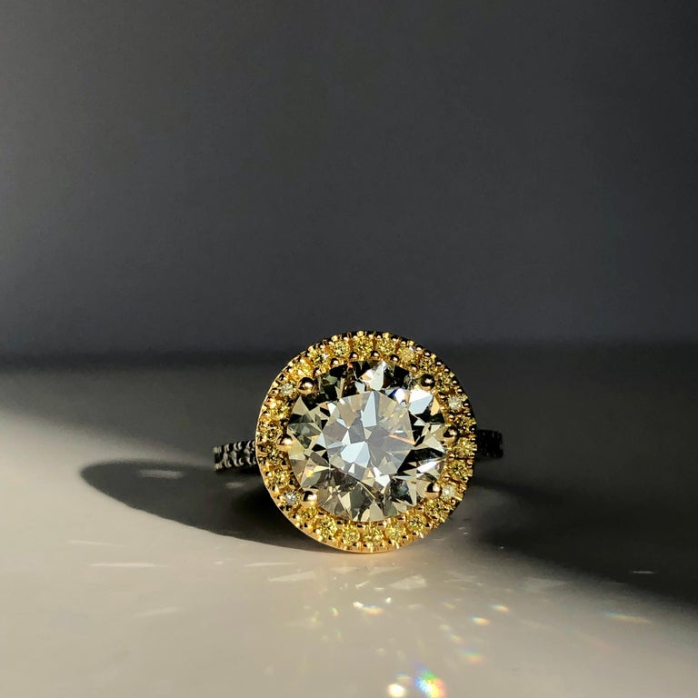 Brilliant Cut Diamond Solitaire Fancy Yellow Diamond Halo 18 Karat 4.00 Carat A For Sale 10