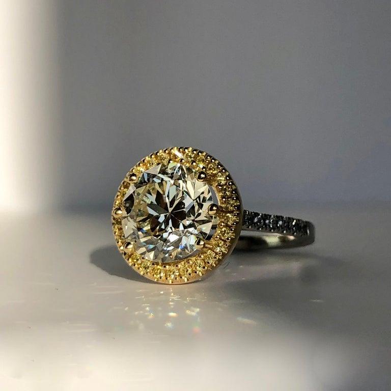 Brilliant Cut Diamond Solitaire Fancy Yellow Diamond Halo 18 Karat 4.00 Carat A For Sale 12