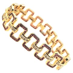 Brilliant Cut Diamonds and Carré Rubies 18 Karats Yellow Gold Retro Bracelet