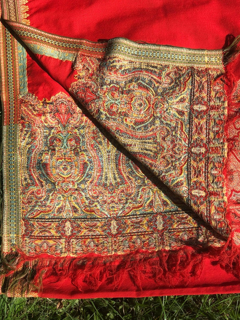 Anglo Raj Brilliant Tomato Red Wool Kashmiri Paisley Bordered Throw For Sale
