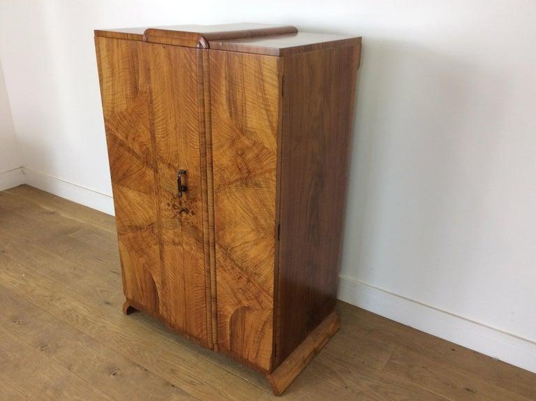 British Art Deco Bedroom Suite in a Figured Brown Walnut Skyscraper Style For Sale 7