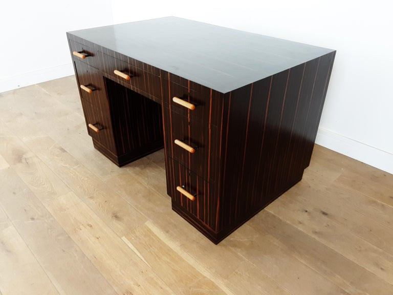 British Art Deco Macassar Desk with Bakelite Handles In Good Condition For Sale In London, GB