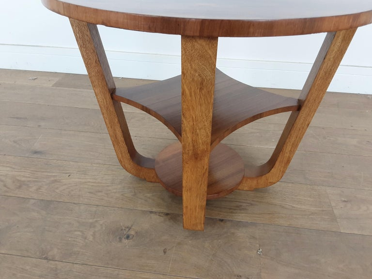 British Art Deco Side Table in a Burr Walnut For Sale 1