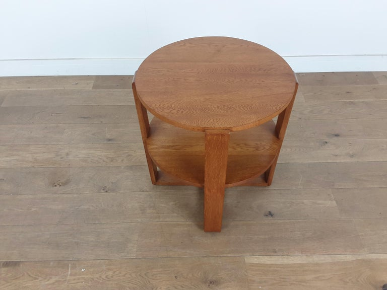 British Art Deco Side Table in Golden Oak In Good Condition For Sale In London, GB