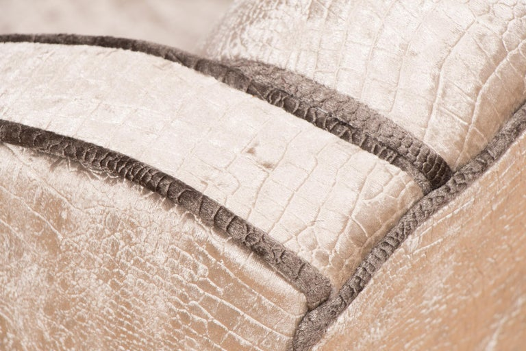 British Art Deco Sofa Newly Upholstered in a Silver Snakeskin Style Fabric For Sale 1