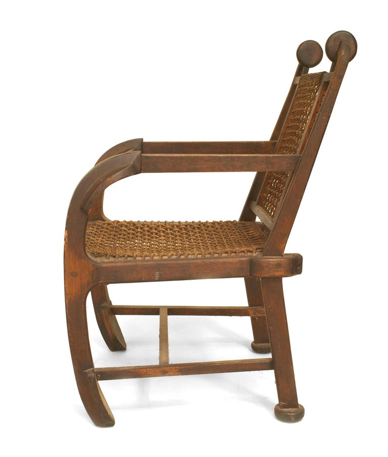British Arts & Crafts Style Stained Oak Armchair In Good Condition For Sale In New York, NY