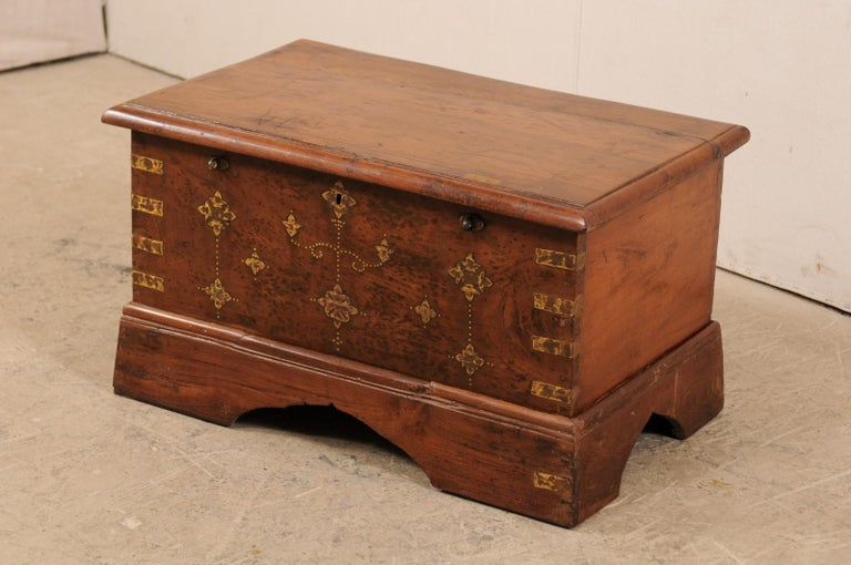 British Colonial Chest or Trunk with Compartments & Beautiful Floral Brass Inlay In Good Condition For Sale In Atlanta, GA