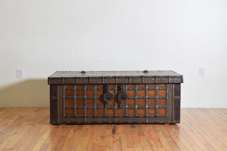 British Colonial Indian Large Teak and Iron-Bound Haveli Trunk, circa 1860 For Sale 1